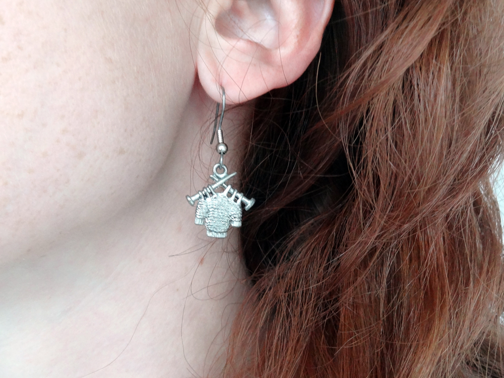 Aug 19 - Love this little earring. I've bought it in a yarn shop in Chicago almost a year ago.