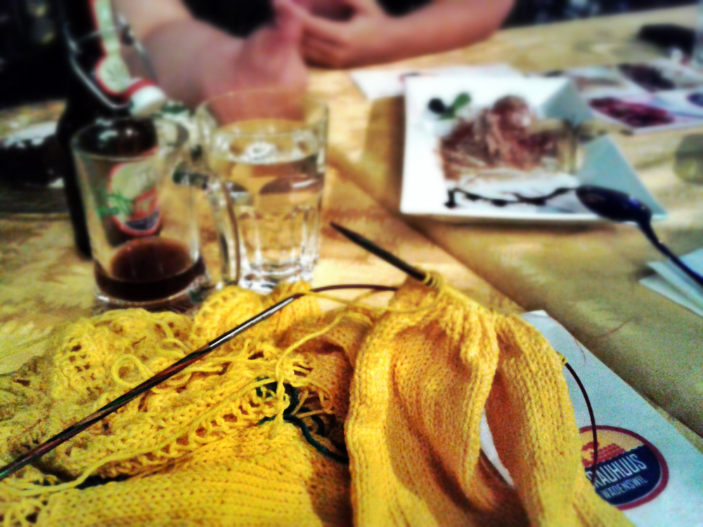 Aug 20 - Another Knit'n'Sip at WädiBräu in Wädenswil. I brought my Honeybee Cardigan. still some things to do.