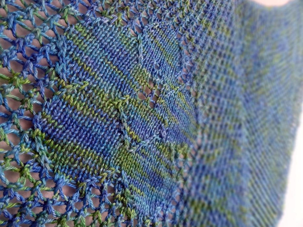 hibiscus shawl - detail flower wide