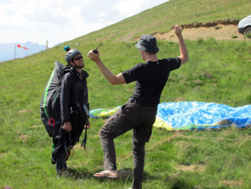 pyrenees paragliding
