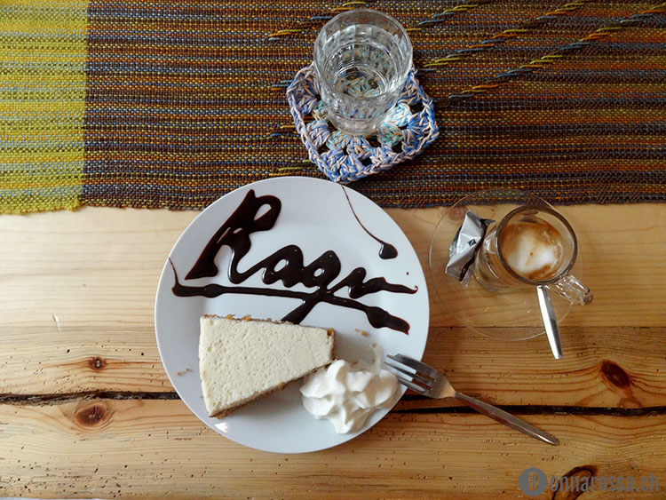 berlin knits 2015 - coffee and cake at ragu