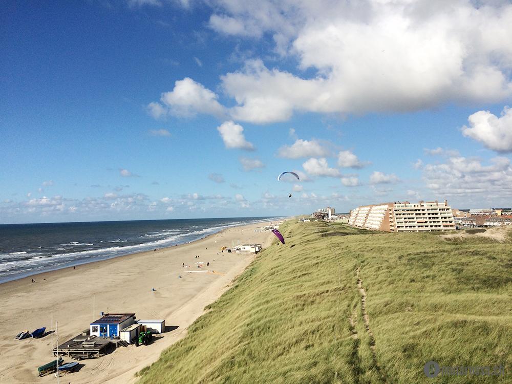 roadtrip netherland egmon aan zee paragliding dune overview