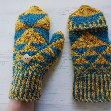 (English) FRACTAL mittens