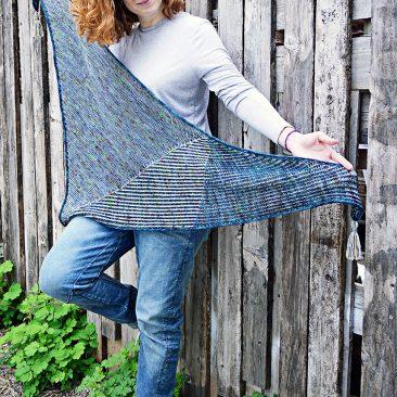 vitamin sea tuch shawl stricken knitting donnarossa designs detail texturen brioche zweifarbig patent kraus rechts quasten i-cord