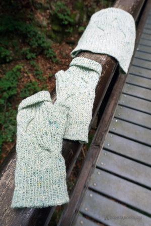 Stradbally mitts fingerlose Handschuhe stricken Strickanleitung knitting pattern hat Mütze