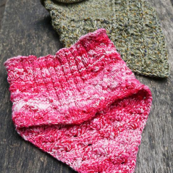 Lahinch bandana cowl rundschal strickanleitung pattern back front