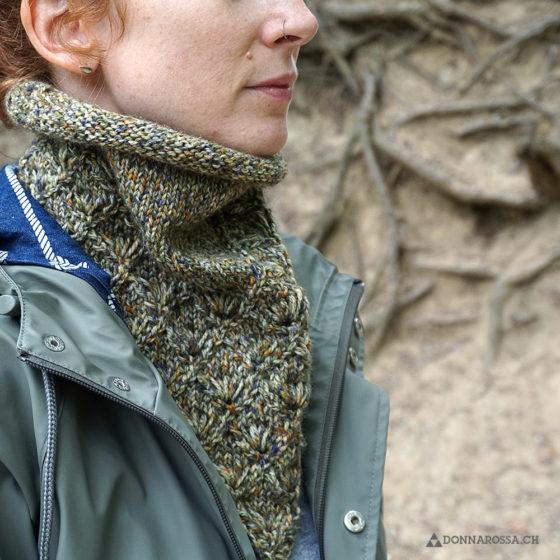 Lahinch bandana cowl rundschal strickanleitung pattern grün front vorne green