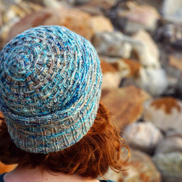 Misty Cliffs hat donnarossa crown knitting pattern
