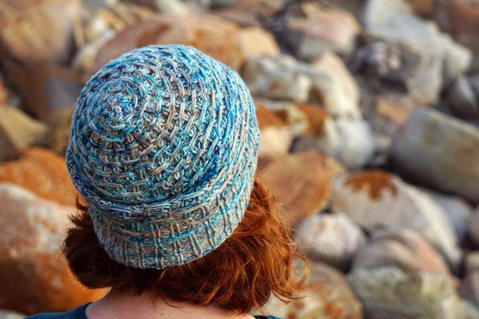 Misty Cliffs hat donnarossa crown knitting pattern
