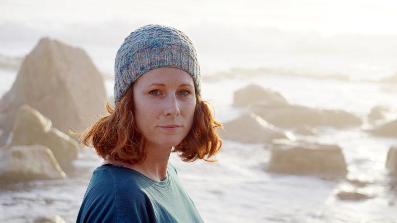 Misty Cliffs hat donnarossa front knitting pattern
