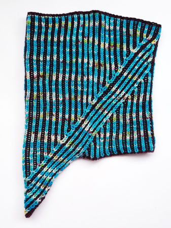 Ebb Cowl from the side knitting pattern donnarossa